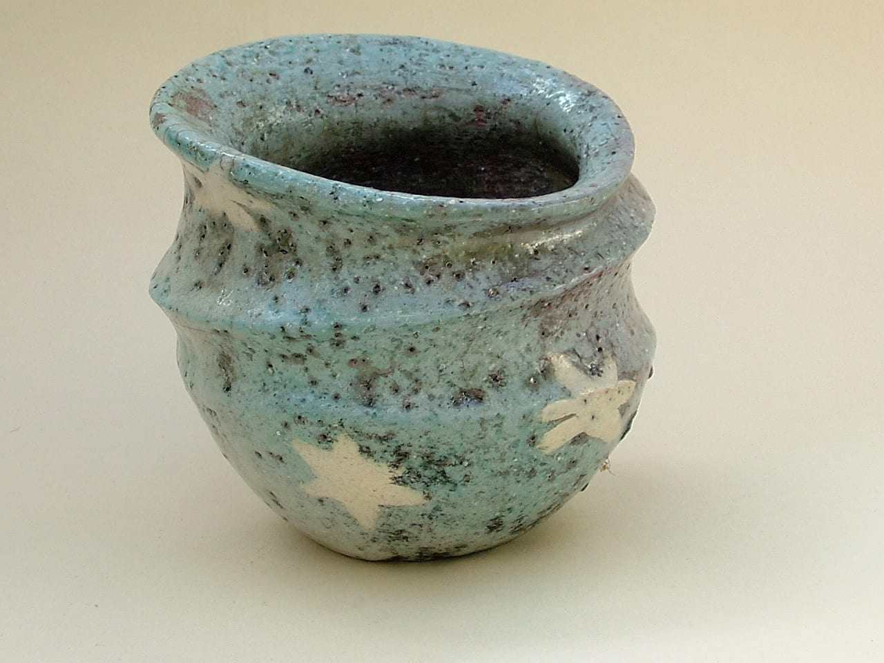 Blue-Starred Carinated Raku