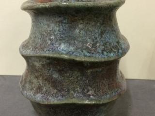 Carinated Raku Pot in the Ashmolean Museum